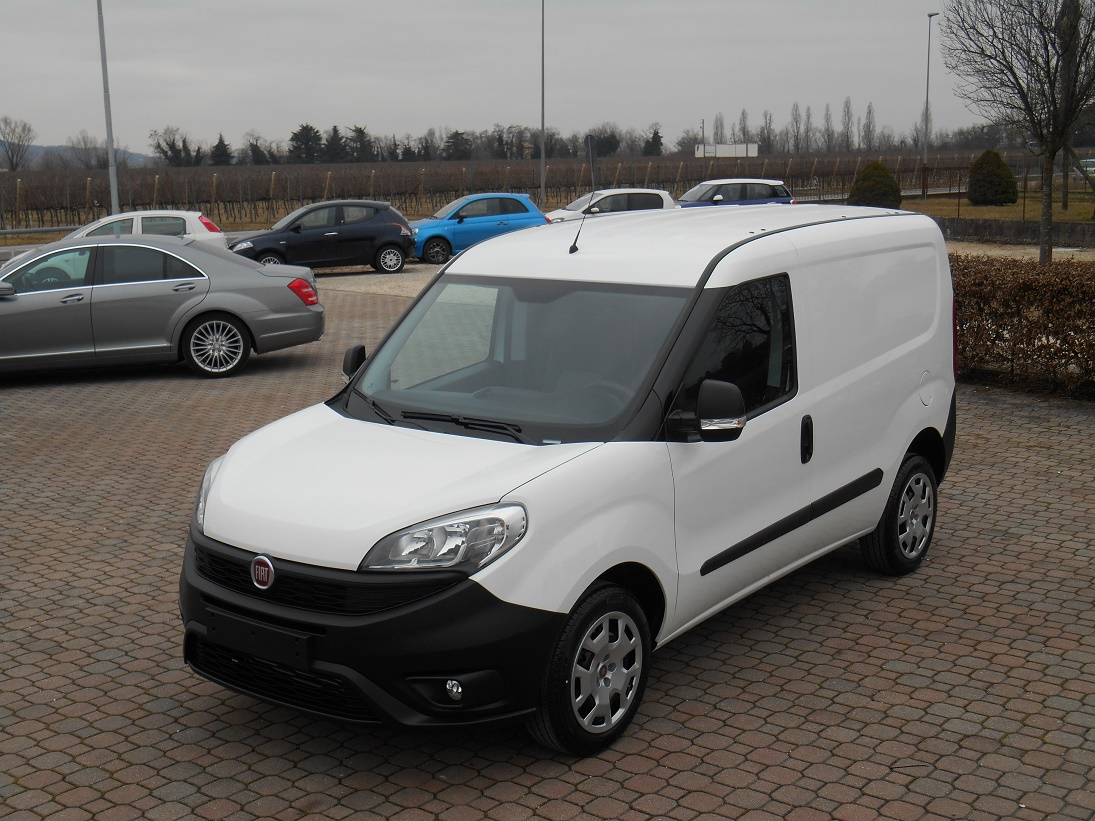Fiat Doblo Cargo 1400 16V T-Jet 120CV Natural Power P.C. T.N. (FG697ML)